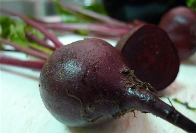 Свёкла Мулатка: сладкая и витаминная кормилица
